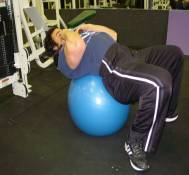 Low-pulley swiss ball crunches 1