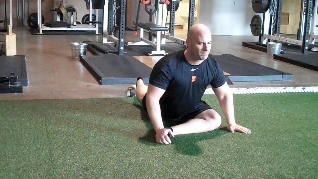 Hip_glute_stretch_front_view