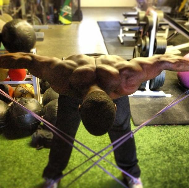 Upper Back Training Secrets to Avoid Shoulder Injuries & Increase Power! - Official Website of Joe DeFranco & DeFranco's Gym!